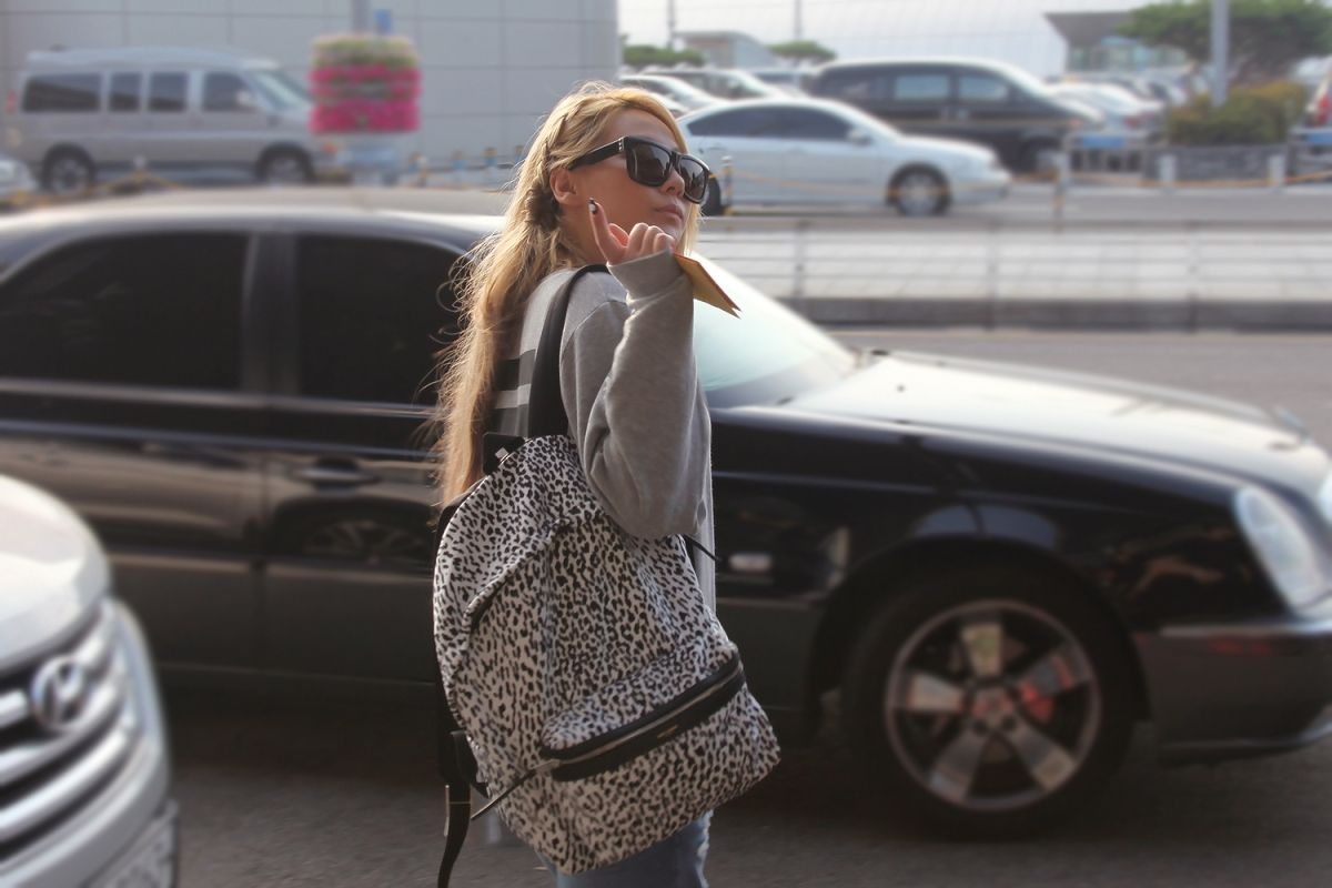 [HQ FANTAKEN] 140629 More Photos of Lovely CL Arriving at Incheon Airport